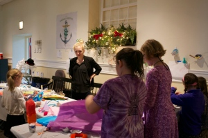"""Kerry Jessup, Leading """"Light Your Lantern"""" Art therapy Workshop for Ben's Lighthouse"""